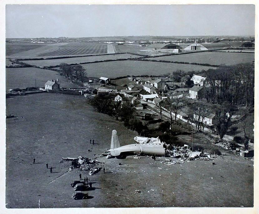 Avro Tudor katastrofa Llandovā... Autors: Plane Crash central Komerciālo lidaparātu katastrofu bildes (Piecdesmitie)