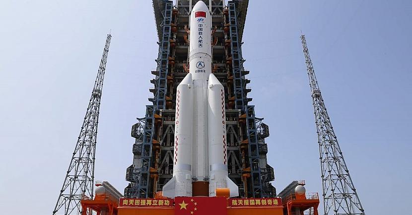 Long March5B Y2 raķete kuras... Autors: Lestets Ko darīt, ja uz tavas mājas nokrīt kosmiska raķete?