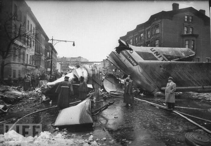 Sadursme virs Ņujorkas... Autors: Plane Crash central Komerciālo lidaparātu katastrofu bildes (1960.g - 1967. g)