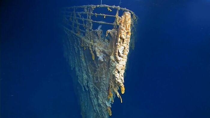 Titāniks vēl nedaudz un... Autors: Lestets Cilvēka veidoti zemūdens objekti, kas liks bailēs peldēt prom