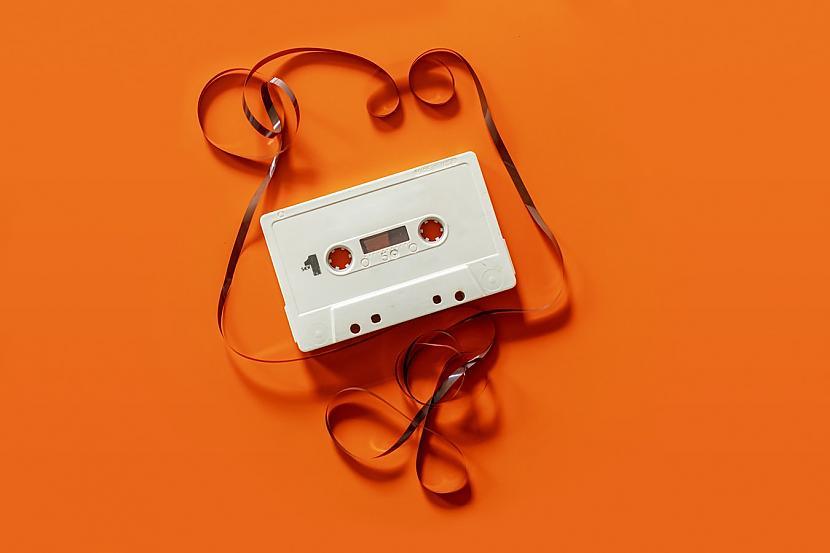 1980gads Imants Skrastiņscaron... Autors: matilde Uzzini, kāda bija populārākā dziesma Latvijā tajā gadā, kad tu piedzimi