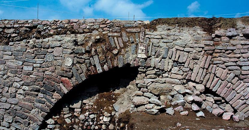 Atklājums ir tunelis kas pirms... Autors: Lestets Meksikas arheologi ir spiesti aprakt neparastu atklājumu